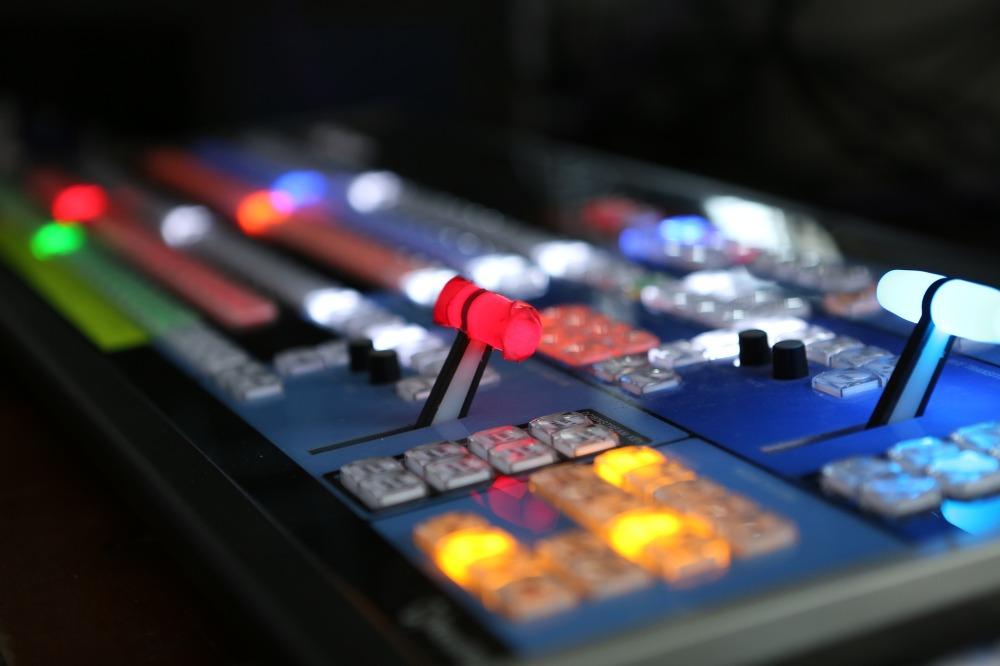студио, телевизия, радио, репортери, предаване, информация, гост в студиото